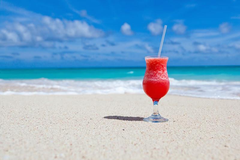 Jakkolwiek na Mauritiusie woda z kranu jest dobrej jakości, nie powinieneś jej pić. Pitna woda z kranu to obca flora bakteryjna, z którą twój organizm może mieć kłopoty.