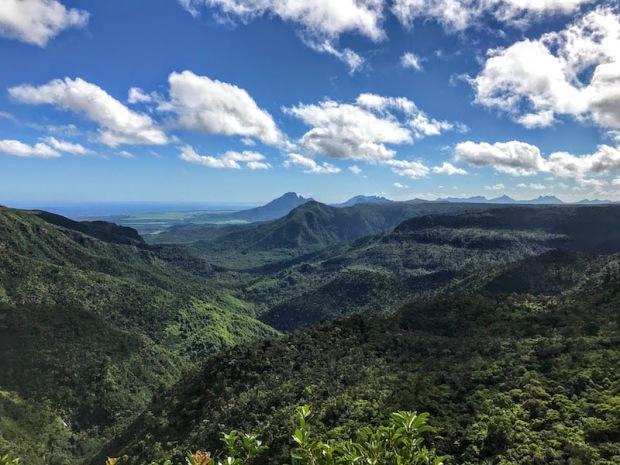 Mauritius i jego przyroda są orzyjazne gdy się je odkrywa z szacunkiem. Nie znasz trasy? Zapytaj służbę w parku lub posłuż się planem jaki dostaniesz przy wejściu.