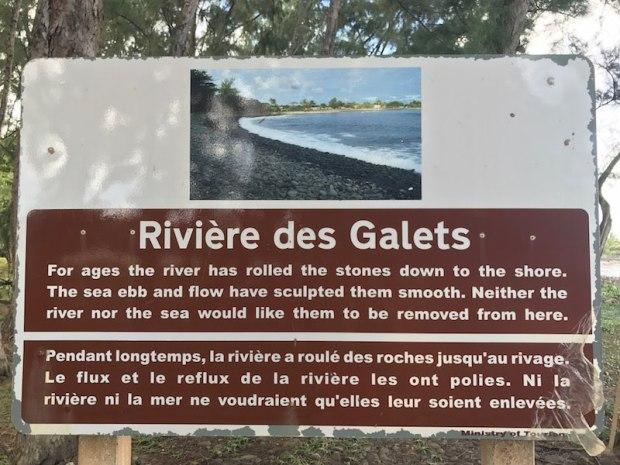 Na Mauritiusie, zanim wejdziesz do wody, rozejrzyj się wokół, poobserwuj i zapytaj innych plażowiczów o potencjalne niebezpieczeństwo.