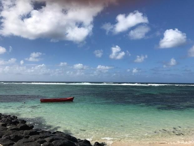 Mauritius kryje wiele mało uczęszczanych, cudownych plaż. Przed wejściem do wody zasięgnij języka czy można...